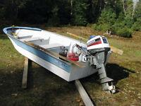 chaloupe avec moteur et pédalo/ Boat  with motor & pédalo