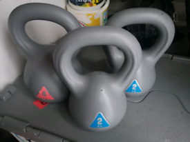 Kettlebells 4kg and 2x 2kg