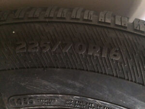 Winter Tires 225/70/R16 on RIM & COVERS READY TO USE Kitchener / Waterloo Kitchener Area image 4