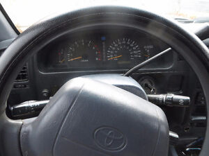 1998 Toyota Tacoma SR5 Sport Pickup Truck London Ontario image 7