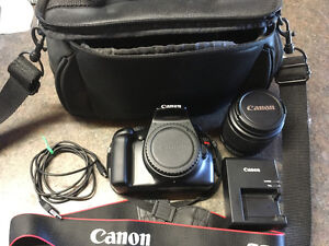 Canon EOS Rebel T3 with EF-S 18-55mm f/3.5-5.6 IS Kit