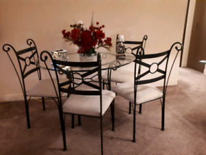 Dining  table  8 piece