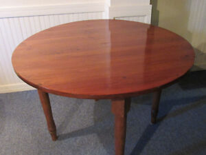 Pine table with maple legs, great condition