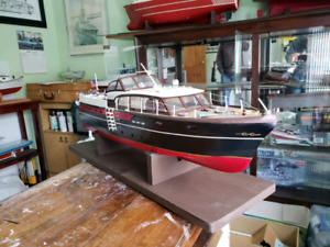 1950s chris craft model boat
