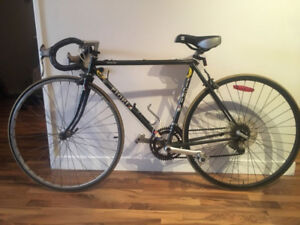 Road Bike - Small Frame (S) - Great Condition