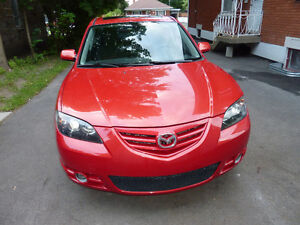 2004 Mazda 3 GT  Berline Rapport CarProof inclus.