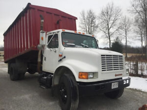 1991 International Grain Dump Truck