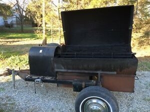 Pig roaster for rent Sarnia Sarnia Area image 2