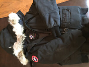Almost New Men's Small Canada Goose Chilliwack Black Bomber