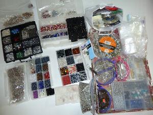 Lot de billes, perles et accessoires pour confection bijoux