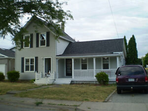 BIG DUPLEX WITH LARGE LOT ! # 8 Elm St, St. Catharines