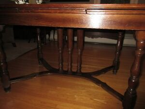 Antique table, 6 chairs and corner hutch Kitchener / Waterloo Kitchener Area image 2