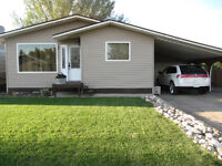 House for Sale in Willow Bunch