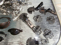 lot of cabinet hinges14 see pictures $30 LOTS TOUT  450-628-465