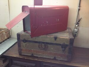GROSSE BOITE A MALE - VINTAGE - MAIL BOX