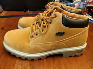 Selling LUGZ Slip Resistant men boot size 9.5/10