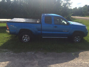 2006 Toyota Tacoma Off Road Pickup Truck