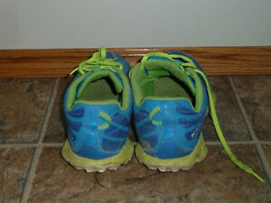 size 8 men columbia shoes