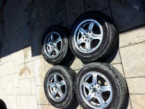 4 pneu NEUF  et  MAGS 14 pouces universel   marque  ( FAST)