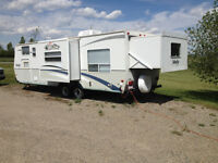 Velocity Travel Trailer 28 foot - Excellent Family Unit