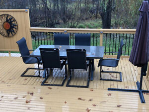 Patio table and 6 Chairs and umbrella