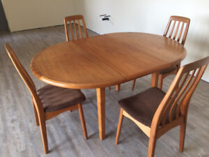 Teak Dining Set! With leaf