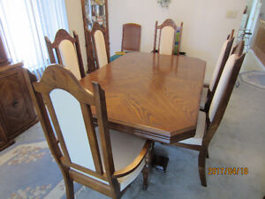 Dining room set and Hutch for sale