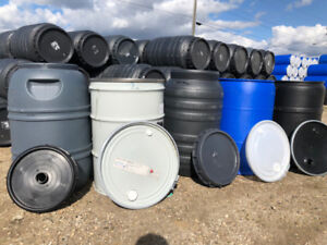 640 x Shipping/Rain Barrels/Drums. ( Min of 2 barrels or Drums )