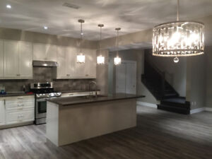 AMAZING DOWNTOWN  LOCATION!!