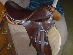 17 IN ENGLISH SADDLE COMPLETE