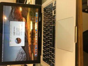 Je vends un tres puissant macbook pro 2010 en parfait état . V