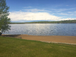 LAKEFRONT / BEACHFRONT  PARADISE JUST 90 MIS FROM CALGARY