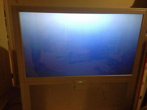 JVC AV-48WP30 I'Art Pro 48-Inch Widescreen HDTV Rear Projection