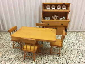 Dining set for Dolls
