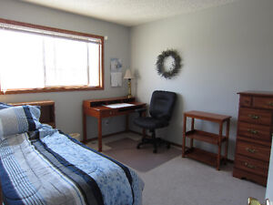 GREAT FURNISHED ROOM FOR FEMALE IN  SHARED FURNISHED HOUSE