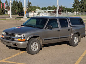 2003 Chevrolet S-10 LS Crew cab Pickup Truck with Tow Package