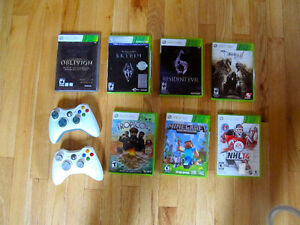 Xbox with 2 controllers and 7 amazing Games