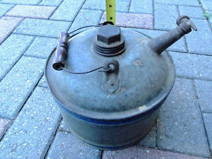 Oil can, Vintage oil can. London Ontario image 9