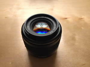 Panasonic Leica Summilux 25mm 1.4 (MFT M43) — 100% Mint + box