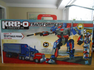 Kre-o Transformers Optimus Prime 3 in1 with 5 Kreons 542 pcs