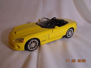 NEW LOWER PRICE 2001 Dodge Viper Diecast London Ontario image 4
