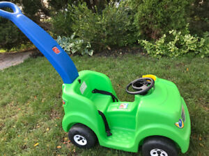 Kids step 2 push/ride car
