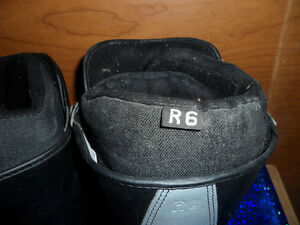 Snowboard Boots AIRWALK Size 6, $20. Prince George British Columbia image 3
