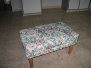 ottoman/bench/poof
