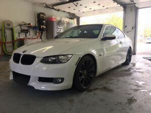 BMW E92 328xi coupe, int cuire rouge + goodies