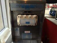 Machine À Crème Glacée! / Ice Cream Machine!