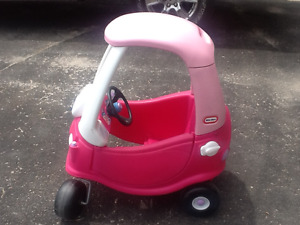 Little Tikes Cozy Coupe Pink Princess Car