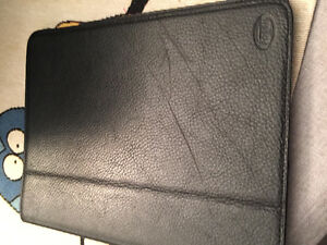 FOSSIL LEATHER IPAD CASE  FIRST GENERATION IPAD