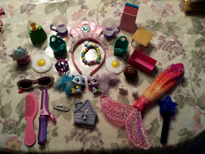 Toys: Curling Iron, Bracelet,Head Band, KITCHEN items >.MORE