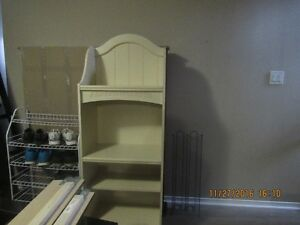 Very nice bookcase, shelving unit